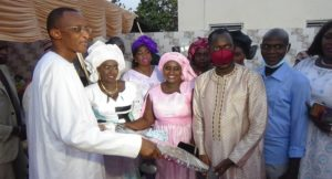 Read more about the article Mr le Ministre Abdoulaye Saydou Sow urbanise son ancienne école